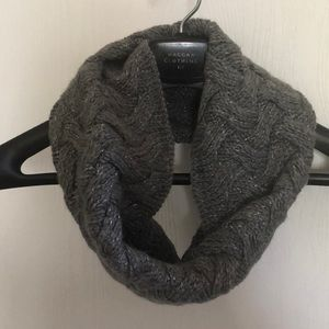 Express Chunky Infinity Scarf Sparkly Gray ❄️☃️